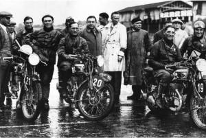 Da sinistra: Grana, Maffeis e Gilera alla Sei Giorni del 1931